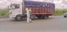 Vehículos son desinfectados en 4 accesos controlados a Chone
